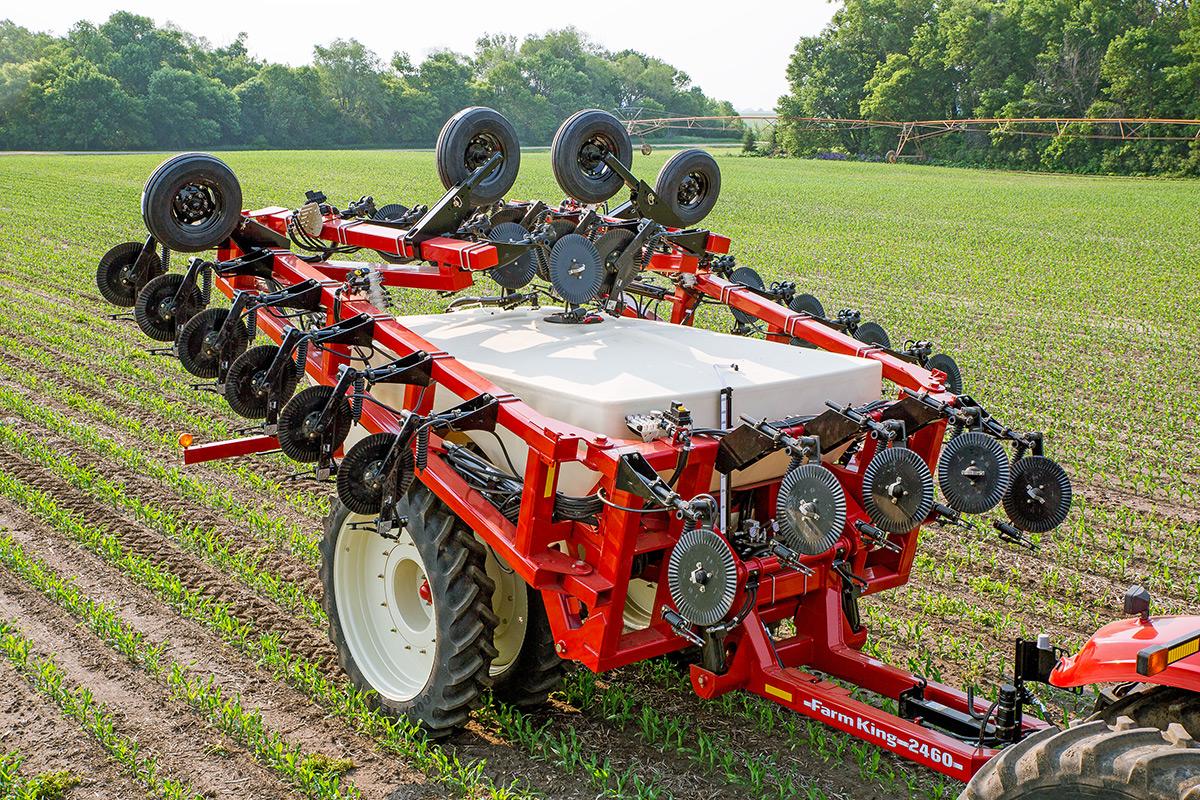 Farm King- Fertilizer Applicator 1860, 2460