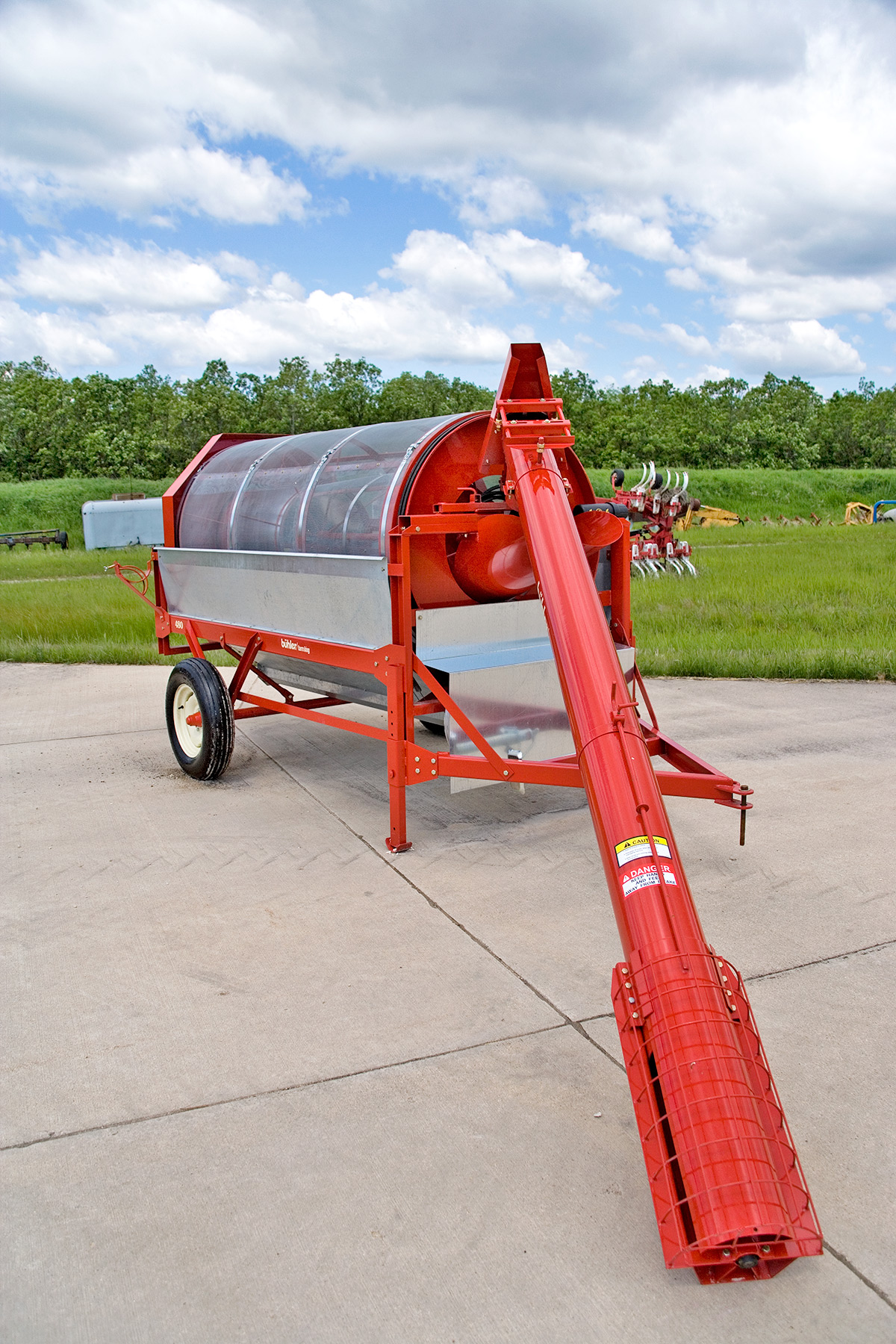 trash and fines are thoroughly removed from the grain, with the fines being  separated from